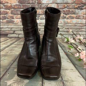 Clark's Brown Leather Buckle Accent ZIP Boots Sz 8